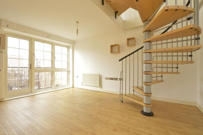 Thumbnail Flat for sale in Malt House Place, Romford