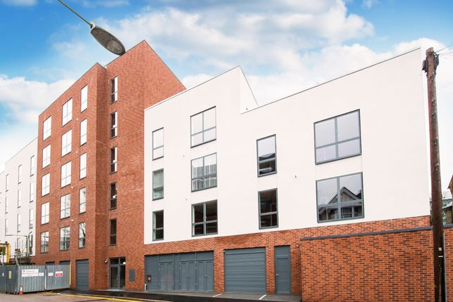 Thumbnail Flat to rent in Station Road, Watford