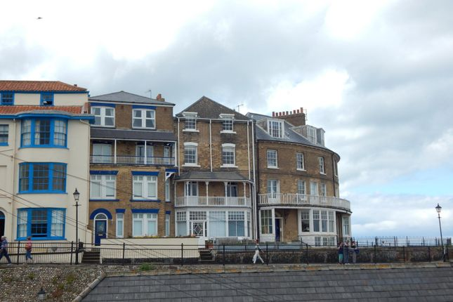 Thumbnail Terraced house to rent in The Crescent, Cromer