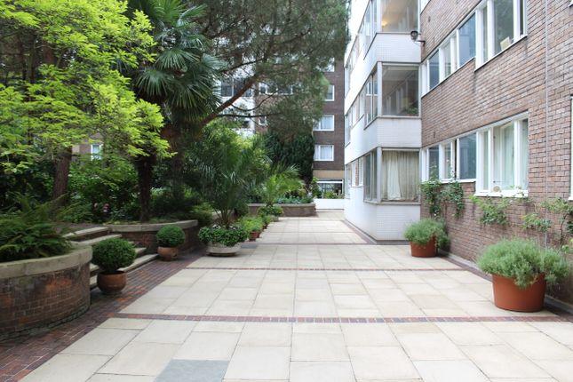 Thumbnail Flat for sale in Southwick Street, London