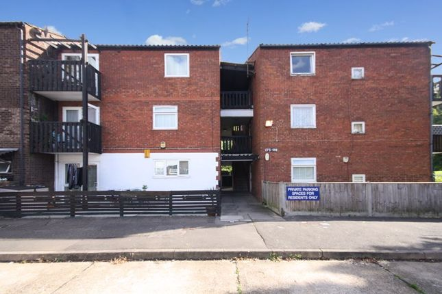 1 bed flat for sale in Maple Road, Yeading, Hayes UB4