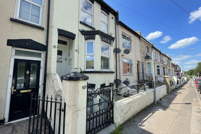 Flat to rent in Ethel Maud Court, Richmond Road, Gillingham