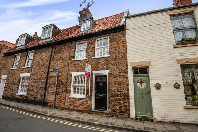 Thumbnail Terraced house for sale in Walkergate, Beverley