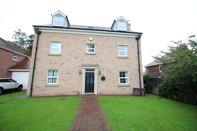 Thumbnail Detached house for sale in Racecourse Close, Swinton, Mexborough