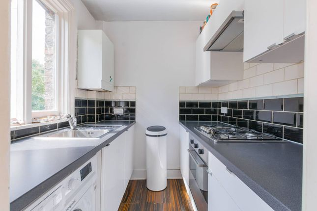 Thumbnail Flat to rent in Weston Park, Crouch End, London