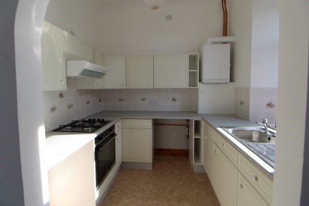 2 bed flat to rent in James Street, Lossiemouth IV31