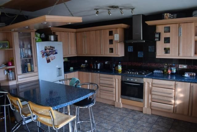 Thumbnail Flat to rent in Burley Road, Burley, Leeds