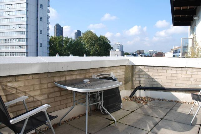 Thumbnail Flat for sale in Bunhill Row, Old Street