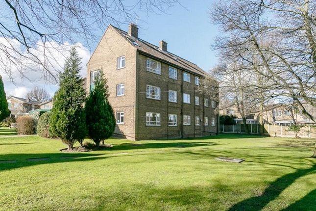 Thumbnail Flat to rent in Oakwood Court, Leeds