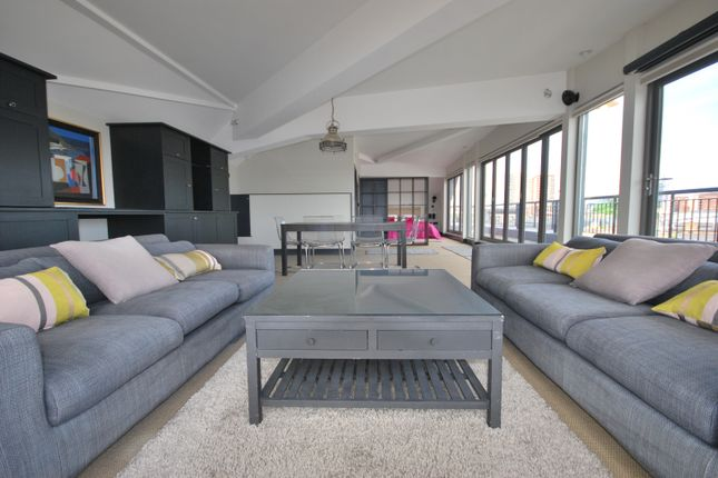 Thumbnail Flat to rent in Bermondsey Street, London
