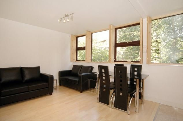 2 bed flat for sale in St George's Fields, London