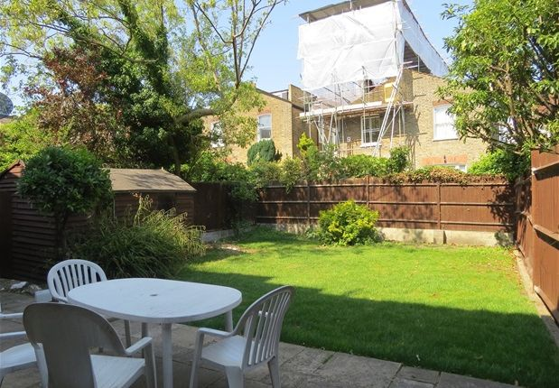 Thumbnail Property to rent in Holmdene Avenue, London