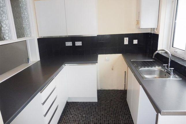 Kitchen of Burn River Rise, Torquay TQ2