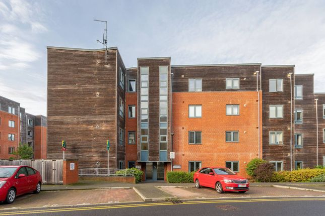 2 bed flat for sale in St Georges Grove, Earlsfield, London SW17