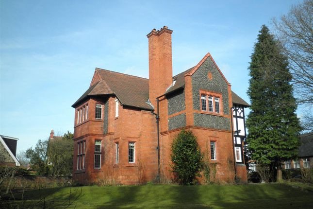 Thumbnail Detached house to rent in Sylvan Grove, Altrincham