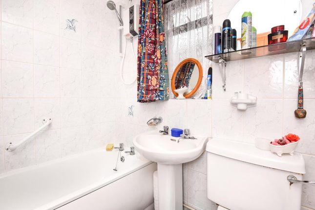 Bathroom of Yarnton, Oxfordshire OX5
