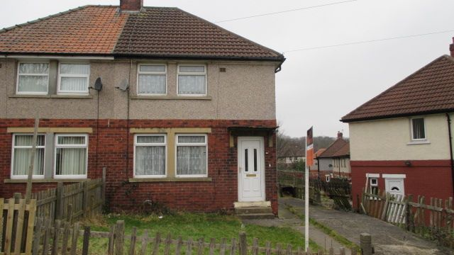Thumbnail Semi-detached house to rent in Galsworthy Avenue, Bradford