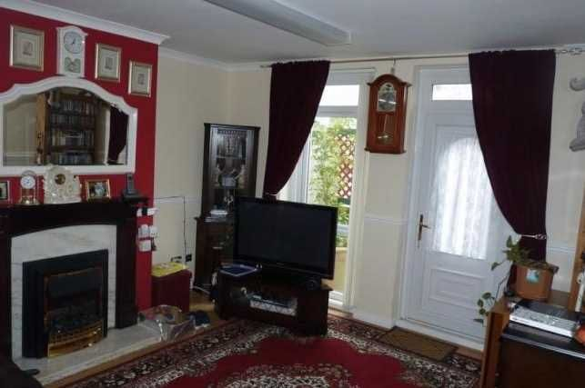 Living Room of Kingsmere Gardens, Walker, Newcastle Upon Tyne NE6