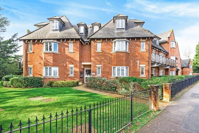 Thumbnail Flat to rent in Windsor House, Stanmore