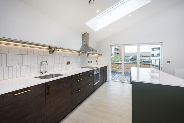 Thumbnail Mews house to rent in Old Meadow Lane, Hounslow