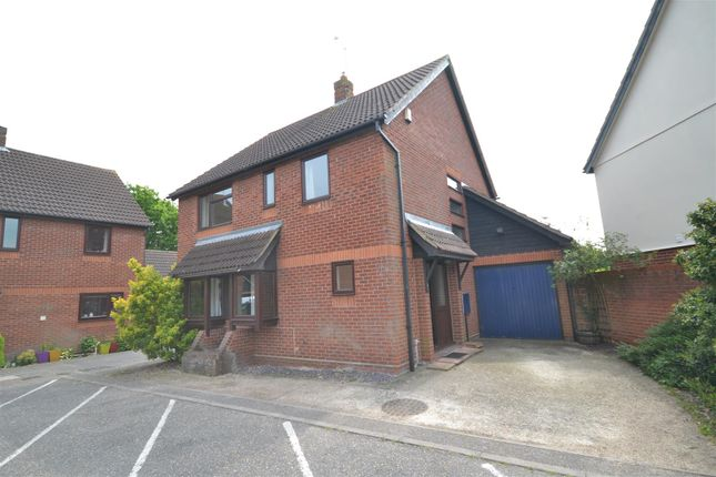 Thumbnail Detached house for sale in Longacre, Chelmsford
