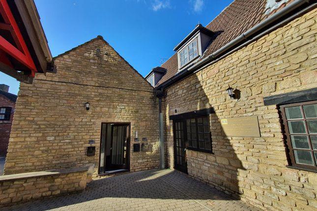 Room to rent in Hamblin Court, Rushden NN10