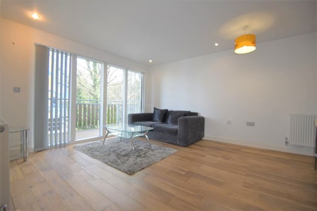1 bed flat to rent in Seren Park Gardens, Restell Close, Maze Hill SE3
