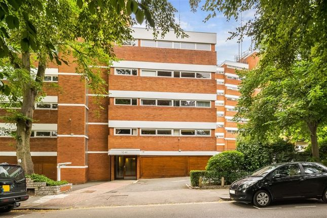 2 bed flat to rent in Southwood Park, Southwood Lawn Road, London