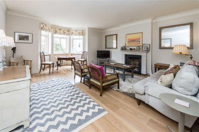 Thumbnail Flat to rent in Elgin Crescent, London