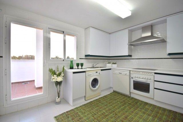 Penthouse_Sale_Dama_Noche_Kitchen