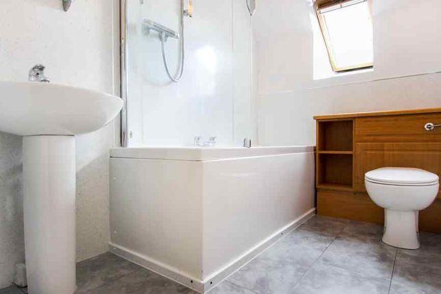 Bathroom 1 of Derbeth Grange, Kingswells, Aberdeen AB15