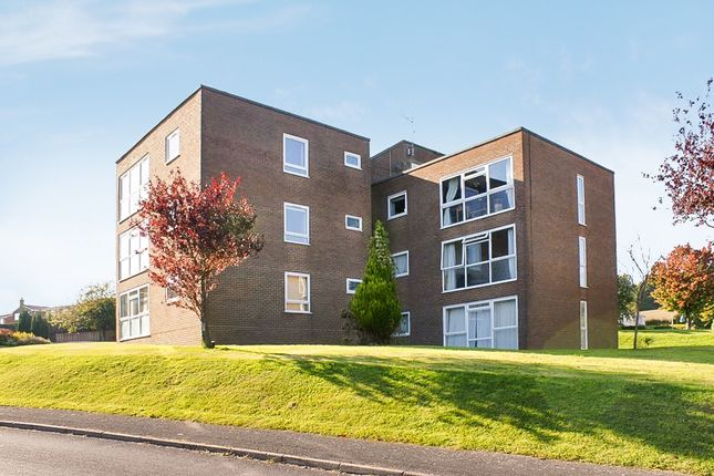 Thumbnail Flat to rent in Kestrel Court, Alton