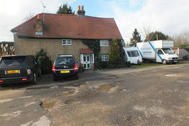 4 bed farmhouse for sale in West End Lane, Harlington