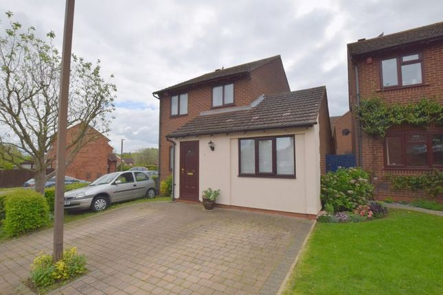 Thumbnail 3 bedroom detached house for sale in Leafield Rise, Two Mile Ash, Milton Keynes