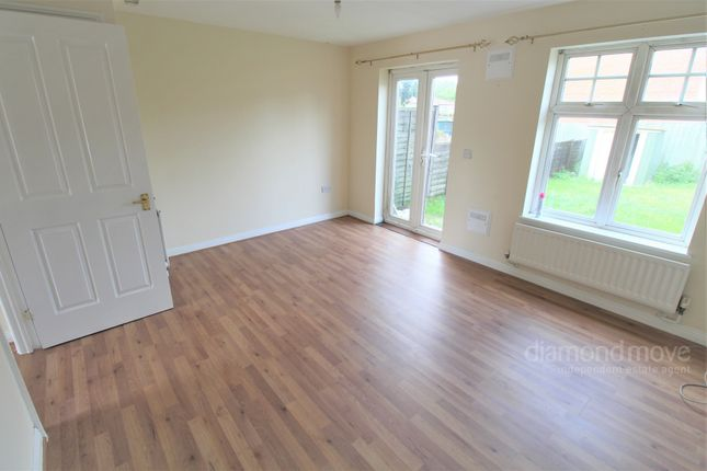 2 bed terraced house to rent in Mauveine Gardens, Hounslow TW3