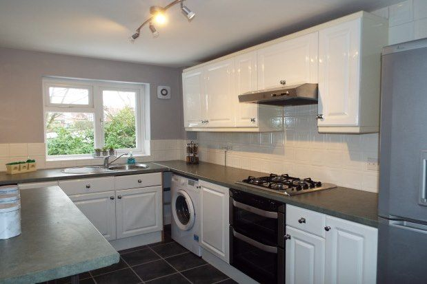 2 bed flat to rent in Moss Road, Cannock WS11