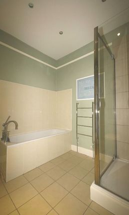 Flat to rent in Barony Street, New Town, Edinburgh