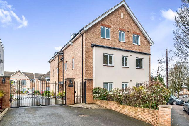 Thumbnail Flat for sale in Sheepcot Lane, Leavesden, Watford
