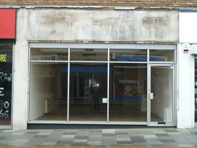 Thumbnail Retail premises to let in 14 Bridge Street, Hemel Hempstead, Hemel Hempstead, Hertfordshire
