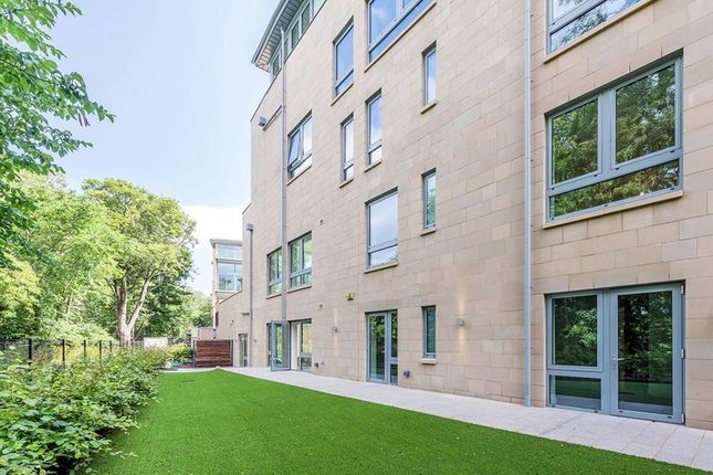 Thumbnail Flat for sale in West Coates, Edinburgh