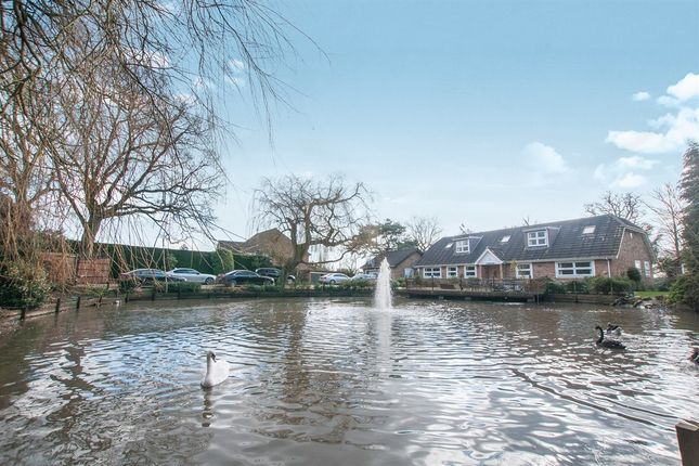 Thumbnail Detached house for sale in Home Farm Road, Rickmansworth