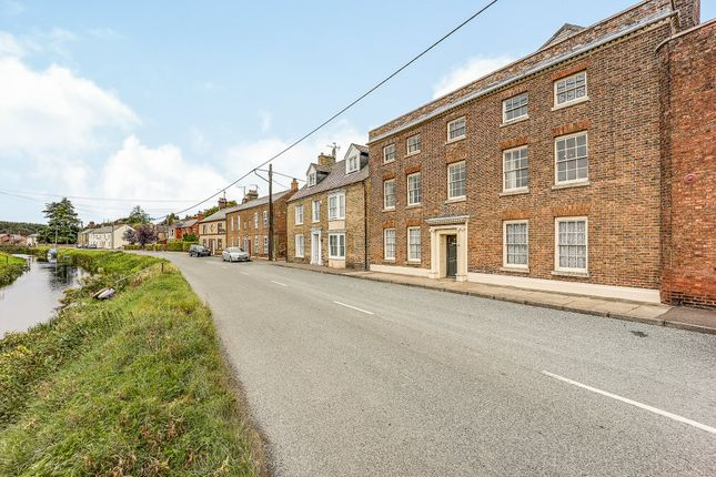 Thumbnail Terraced house for sale in Town Street, Upwell, Wisbech