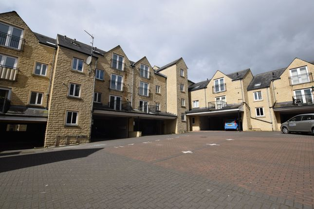 Thumbnail Flat for sale in West View, Boothtown, Halifax, West Yorkshire