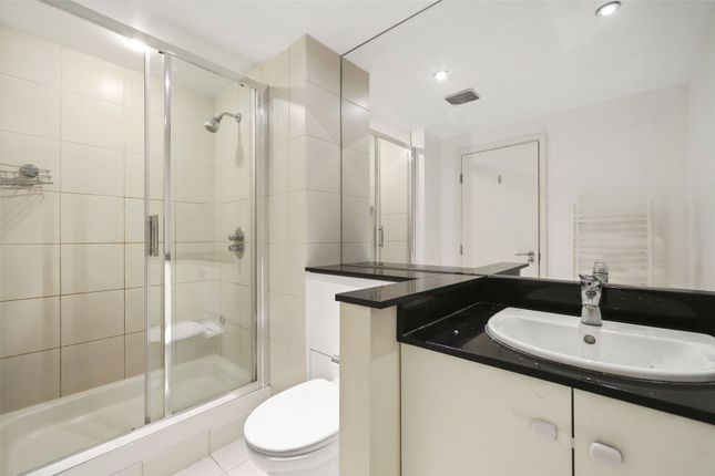 Bathroom of Hereford Road, Notting Hill W2