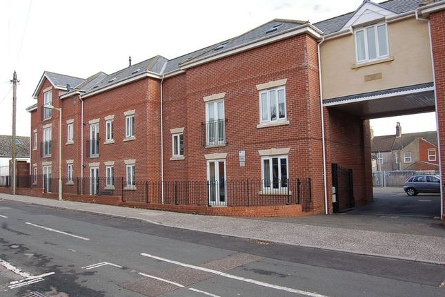 Thumbnail Flat to rent in Lowestoft