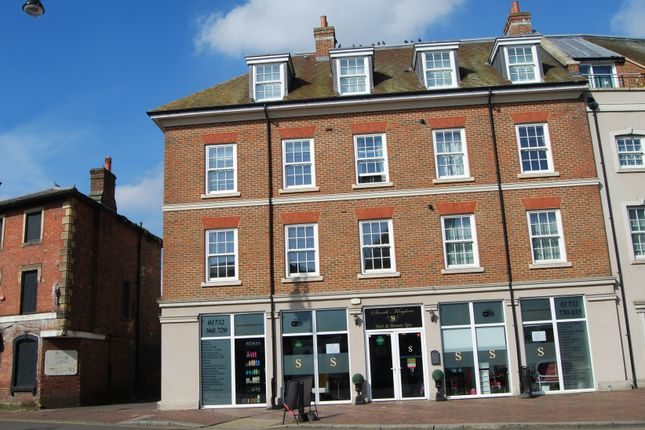 Thumbnail Flat to rent in High Street, Tonbridge