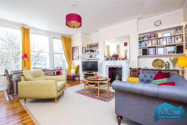 Flat for sale in Colney Hatch Lane, Muswell Hill, London