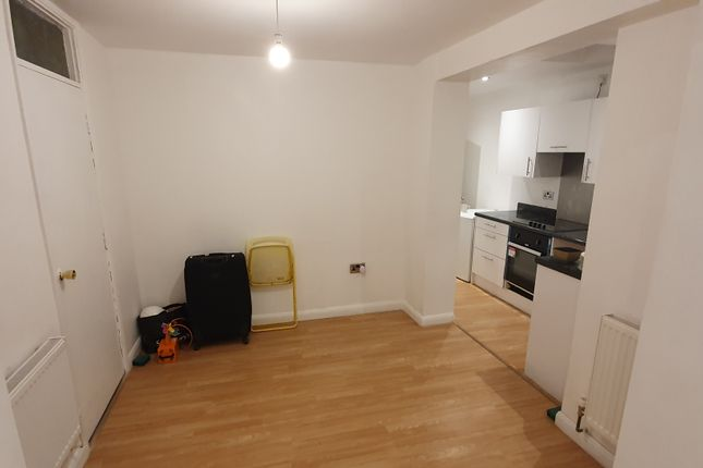 Thumbnail Flat to rent in Forest Road, Slades Green, Erith DA8, London,