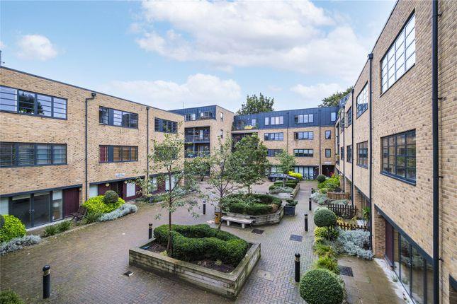 1 bed flat for sale in Mildmay Avenue, London N1