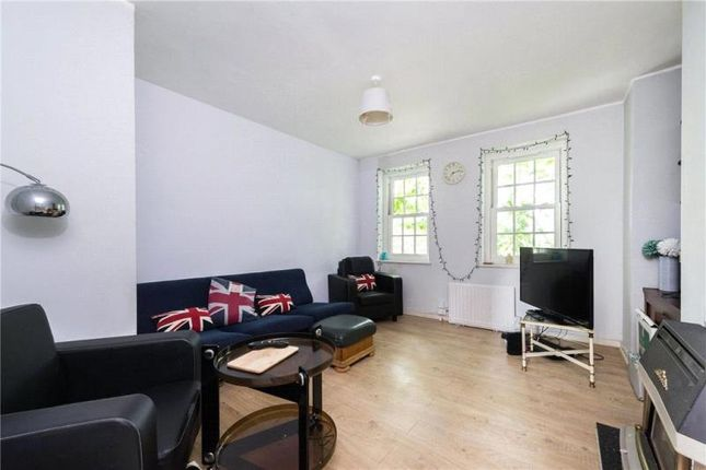 Thumbnail Flat to rent in Black Prince Road, London